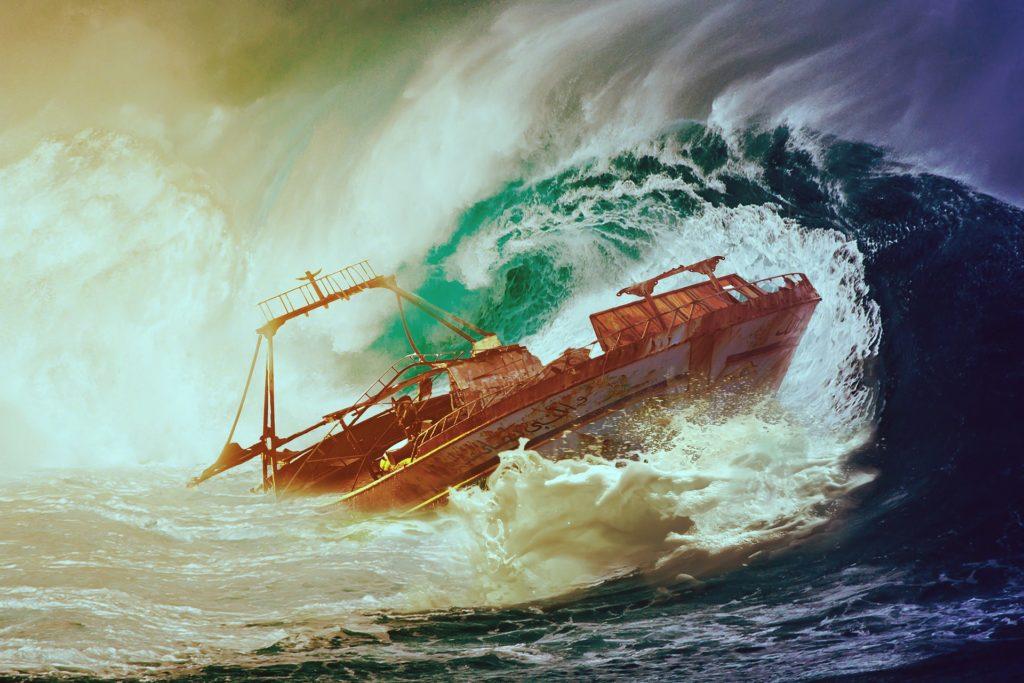 image de bateau dans la tempête
